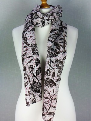 Duck & Daisy White Cotton Scarf with Leaf and Flower Print