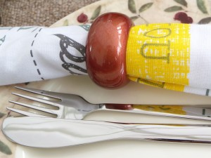 Set of 4, Wooden Mettalic finish Painted Napkin Ring